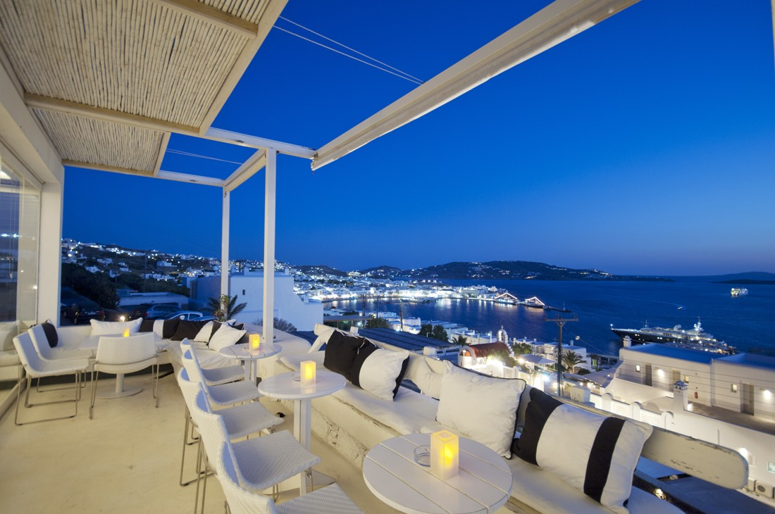 mykonos-information-Oniro-the-Bar